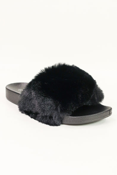 Jeans Warehouse Hawaii - SLIPPERS - FURRY COMFORTABLE SLIDE | By ROCKLAND