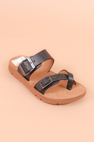 Jeans Warehouse Hawaii - 9-4 OPEN FLAT - SAMMY SANDAL | SIZES 9-4 | By FOREVER LINK