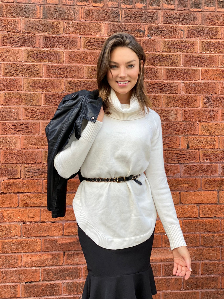 Spicy Sugar Knit Ladies Cream Turtleneck