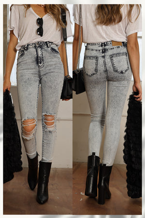 Load image into Gallery viewer, Refuge Denim Ripped Knees Jean High Rise - Acid