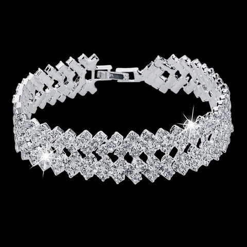 DEAL ALERT!!   📢Luxury Crystal Bracelet📢  DEAL ALERT!!