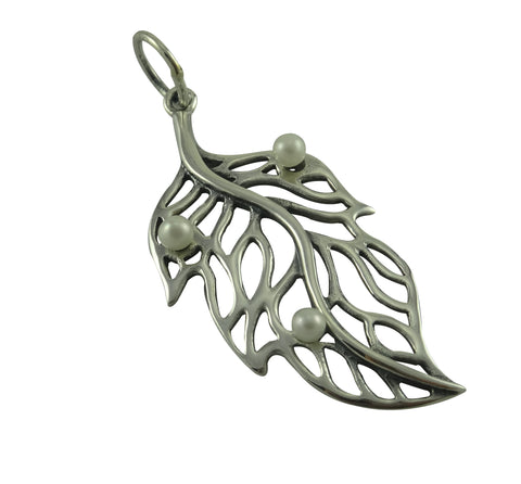 Leaf Pendant Silver / Freshwater Pearls