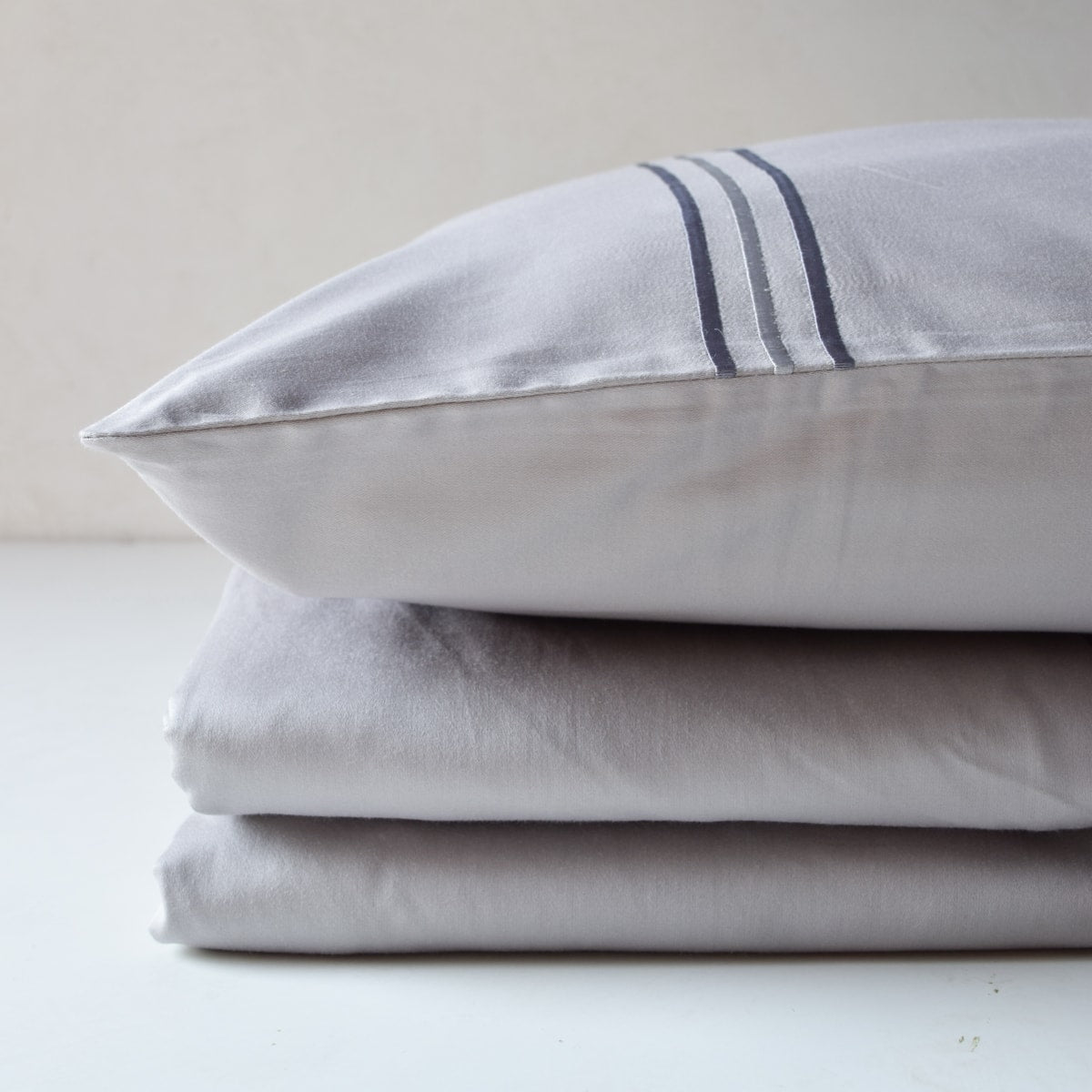 3 Stripes Modern Grey Cotton Sateen Bed Sheet by Veda Homes