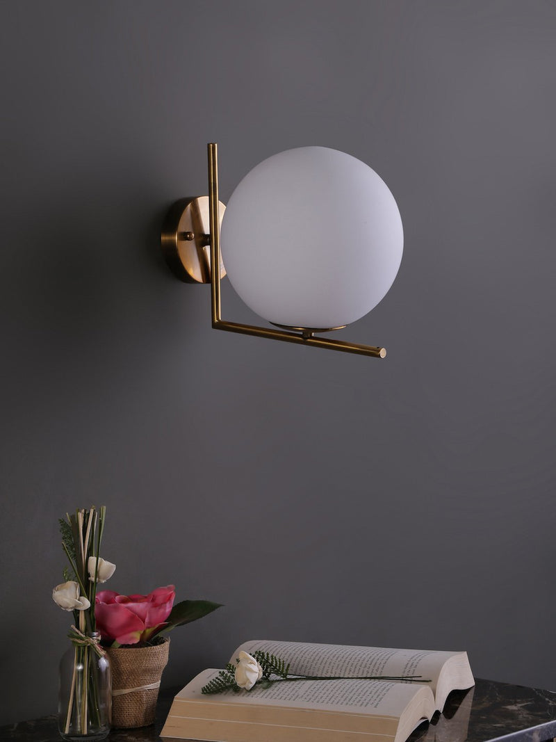 Clarisse Wall Lamp