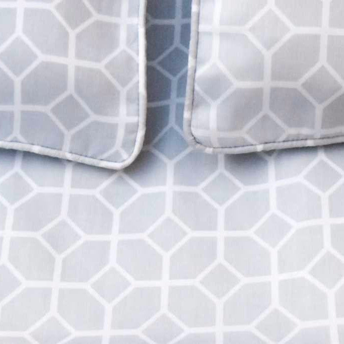 Evelyn Grey and White Geometric Print Bed Sheet - Home Artisan_1