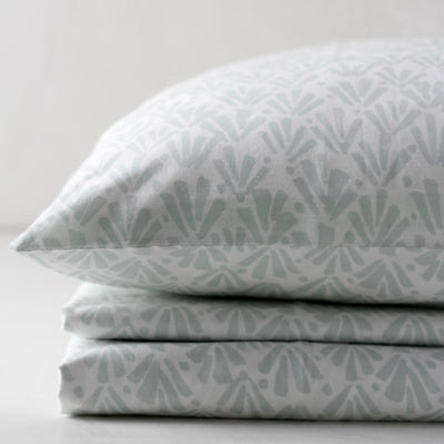 Ingrith White and Sea Green Palm Frond Percale Bed Sheet - Home Artisan