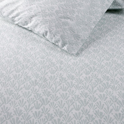 Ingrith White and Sea Green Palm Frond Percale Bed Sheet