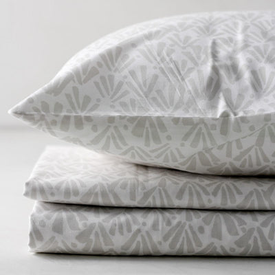 Ingrith White and Grey Palm Frond Percale Bed Sheet - Home Artisan