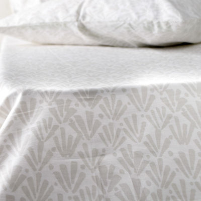 Ingrith White and Grey Palm Frond Percale Bed Sheet