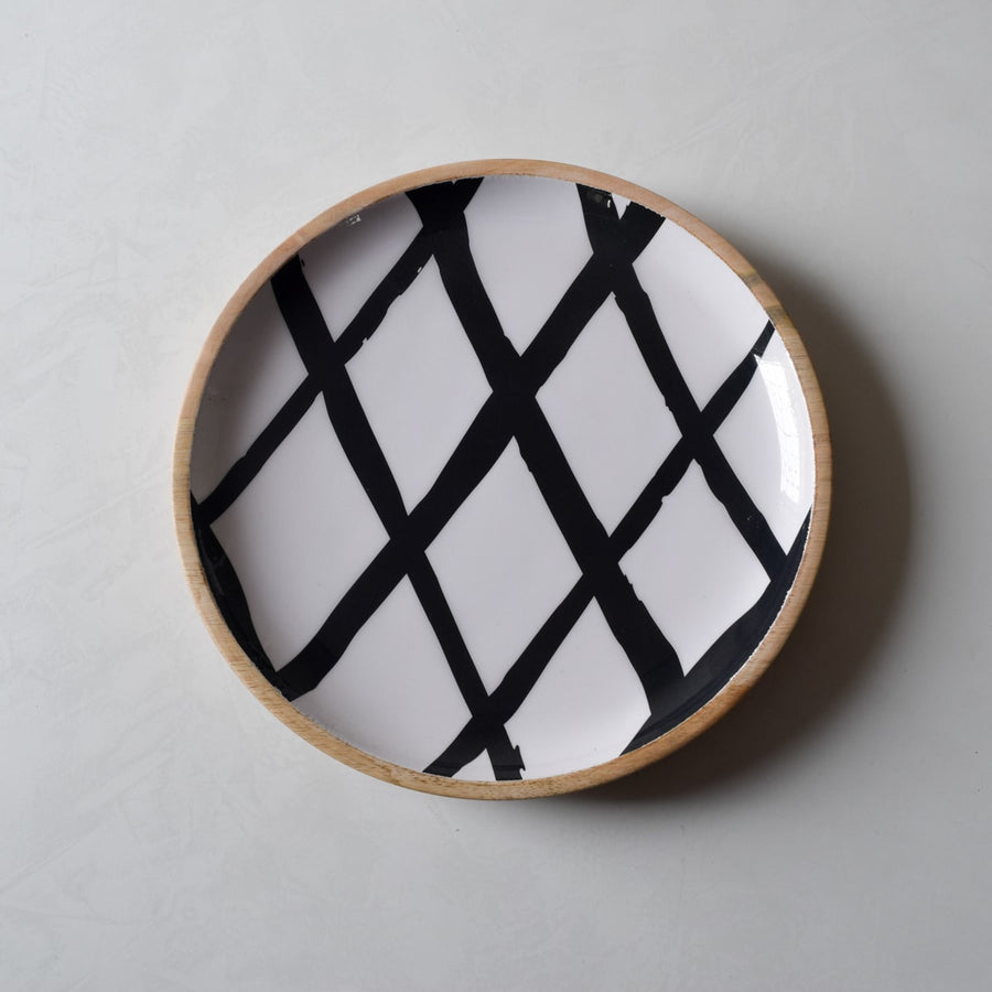 Stark Mango Wood Platter with Monochromatic Mesh Design