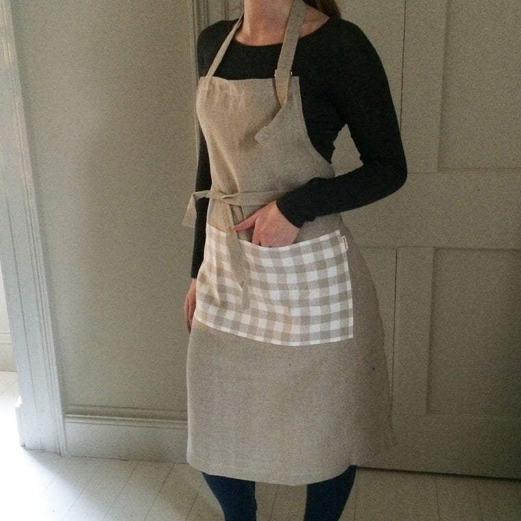 Natural Linen Cooks Apron with Check Pocket