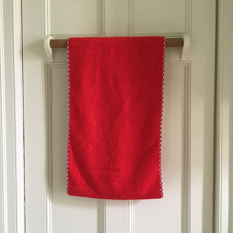 Roller towel in red with gingham edge