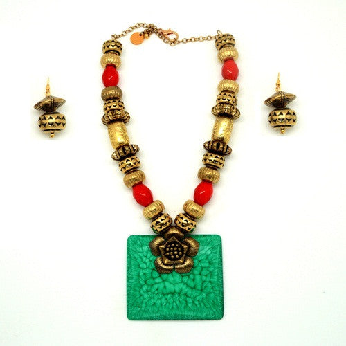 Turquoise n red neckpiece N-01