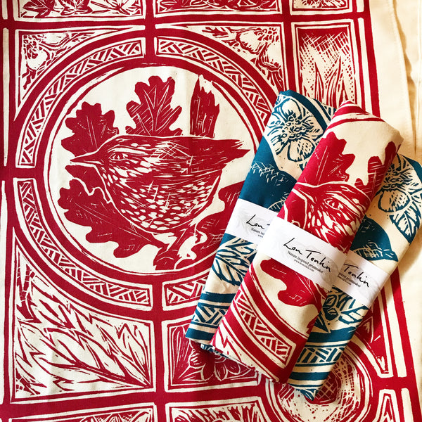 Berry-red Wren organic t-towel