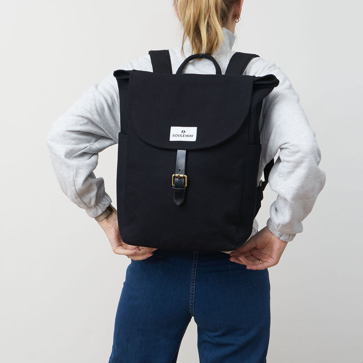 Classic Backpack L - Night Black