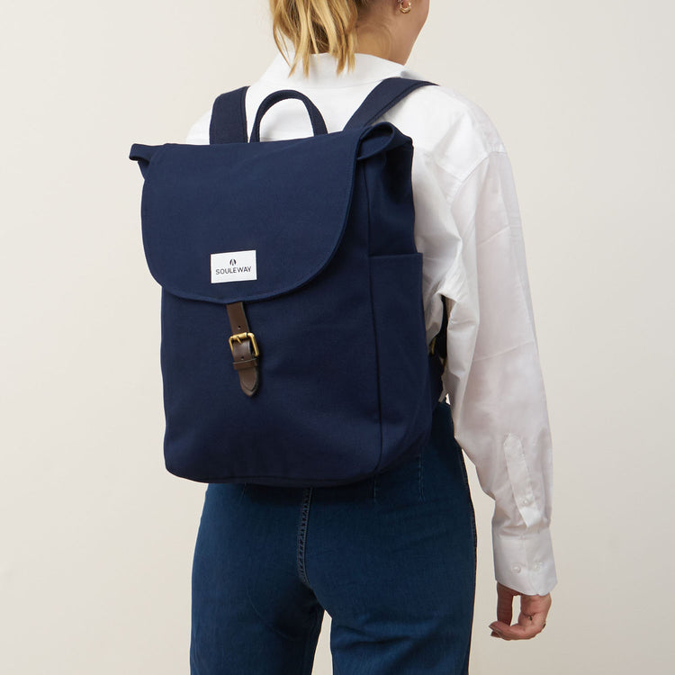 Classic Backpack L - Navy Blue