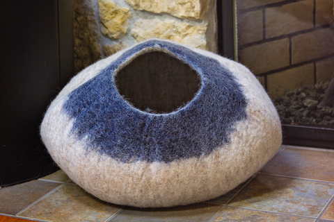 Kittycentric Cozy Cat Cave (Gray/Midnight Blue)