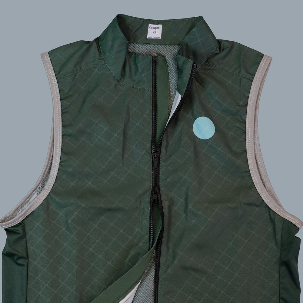 Load image into Gallery viewer, Escape Essential Gilet - Dark Leaf Green