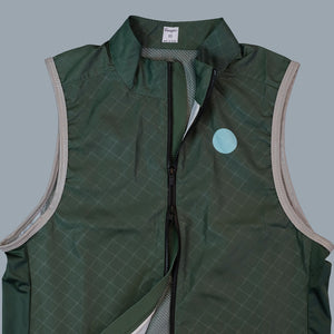 Load image into Gallery viewer, Essential Gilet - Dark Leaf Green
