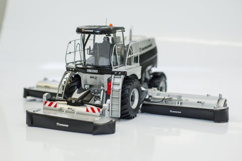 NEW! BiG M 450 Self Propelled Mower Scale Model 1.32 Scale Limited Silver and Black Edition