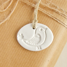 Load image into Gallery viewer, oval white clay bird ornament gift tag by bonschelle 1