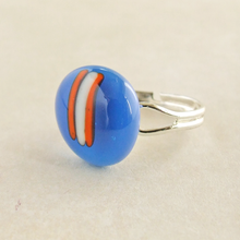 Load image into Gallery viewer, modern handmade blue fused glass cabochon ring for women