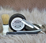 Beautiful image of the Michael Straight Razor Kit from top view