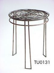 Wire Stool - table