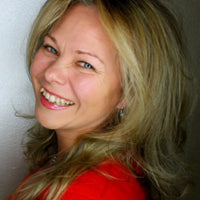 KC's Bio / I received my Ca State and National certification in Therapeutic Massage and Bodywork in 2012. Trained in Swedish, Deep Tissue, Pregnancy, Geriatric massage. I have been with Labelle since 2015.
