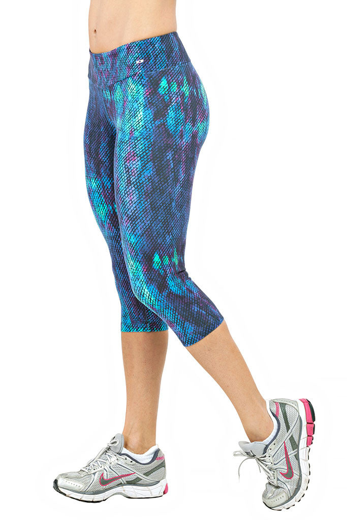 TRAILLINE Nature One Bluish Snake Print Capri