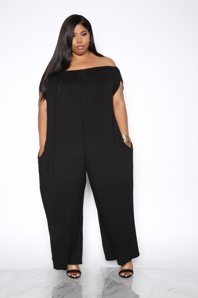 SIMPLICITY OFF THE SHOULDER PLUS JUMPSUIT - BLACK