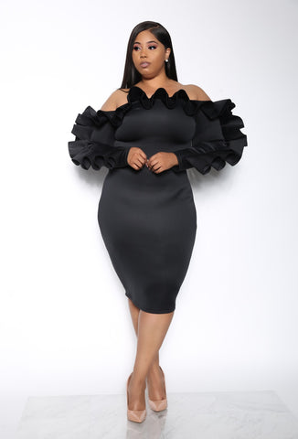 ICON LEVEL RUFFLE PLUS DRESS - BLACK