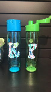WATER BOTTLE WITH INITIAL
