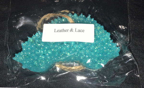 LEATHER AND LACE CAR CANDLE