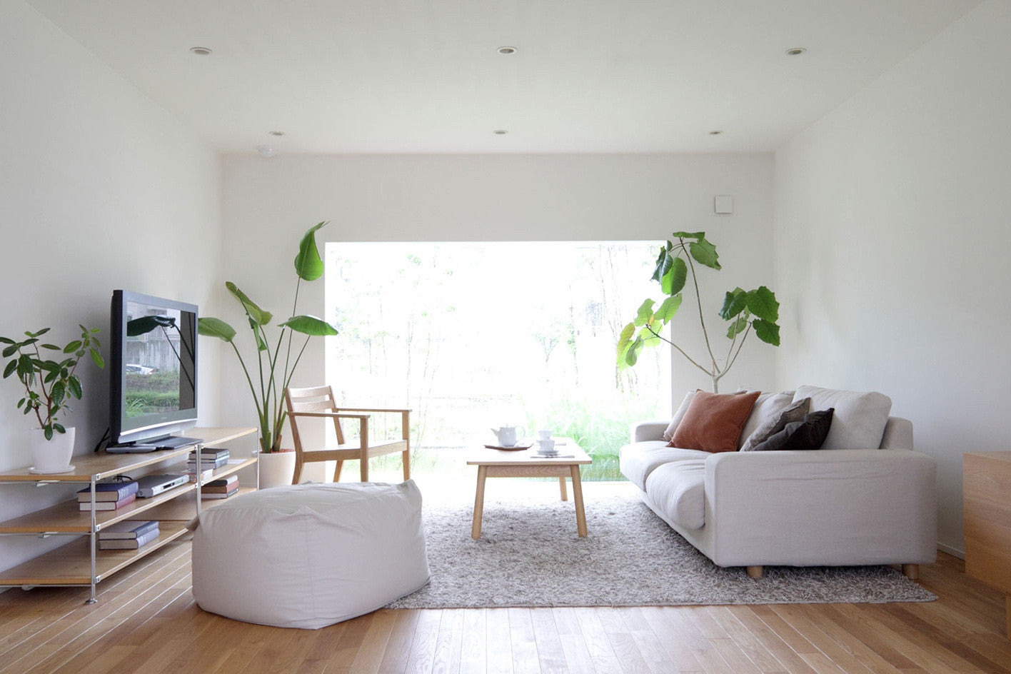 Minimalist Home Part - 28: Muji Is Ultimate Minimalist Heaven. A Zen Attitude And Appreciation For  Nature Makes Muji Your First Stop For A Minimalistic Home.