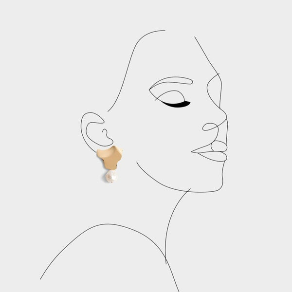 Amaya Single Pearl Earrings
