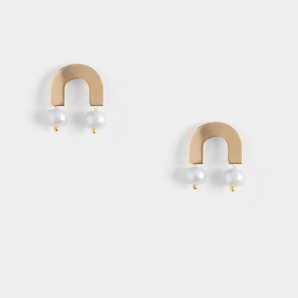 Bitsy pearl earrings