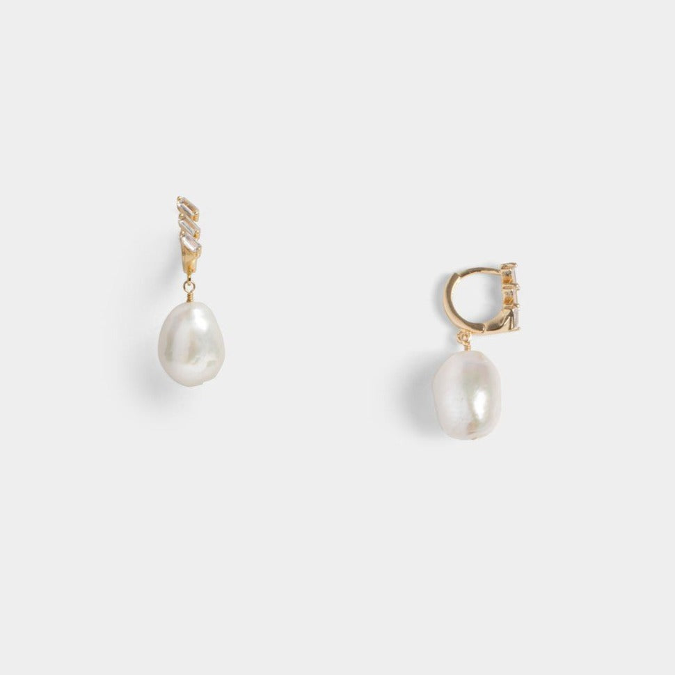 Balia Single Pearl Studs