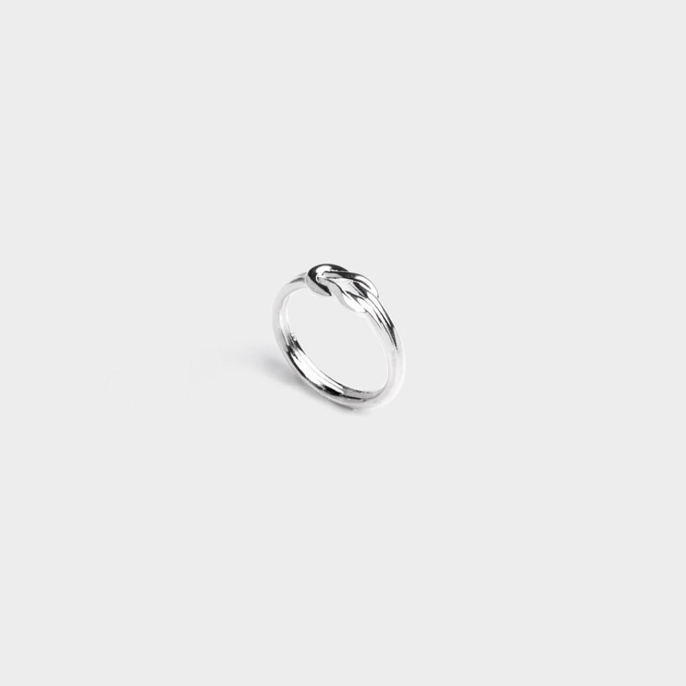Alice Knot Ring
