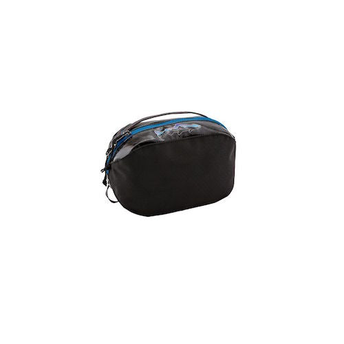 f3fc59116dc Patagonia Black Hole Cube · Patagonia Black Hole® Cube 2L - Small - Black w Fitz  Roy Trout ...