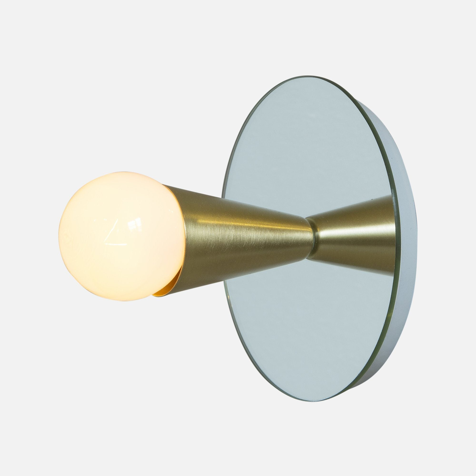 Souda Echo 1 Sconce Brass
