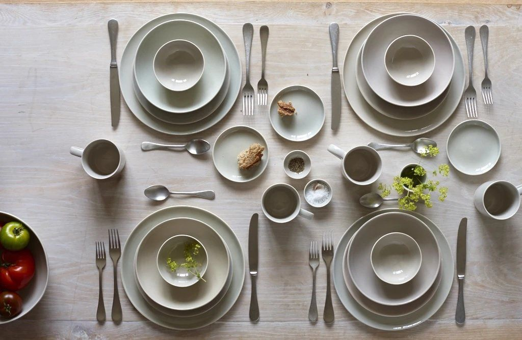 Canvas Home Shell Bisque 16 Piece Place Setting Blue