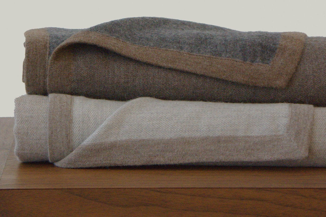 Area Hugo Blanket Grey/Brown Queen