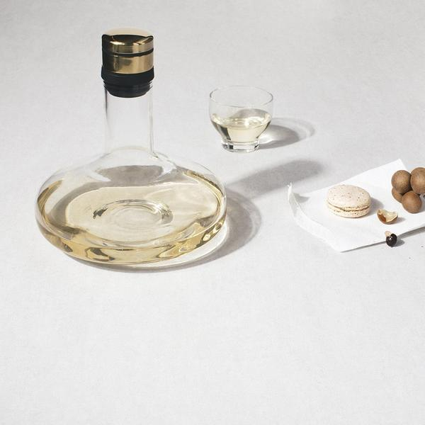 Menu Wine Breather Carafe Gold