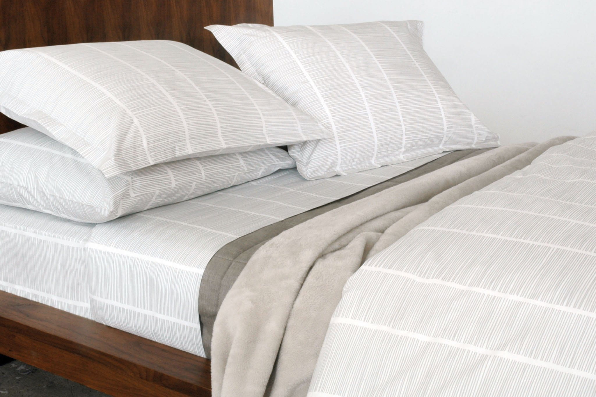Area Pins Flat Sheet Grey Twin