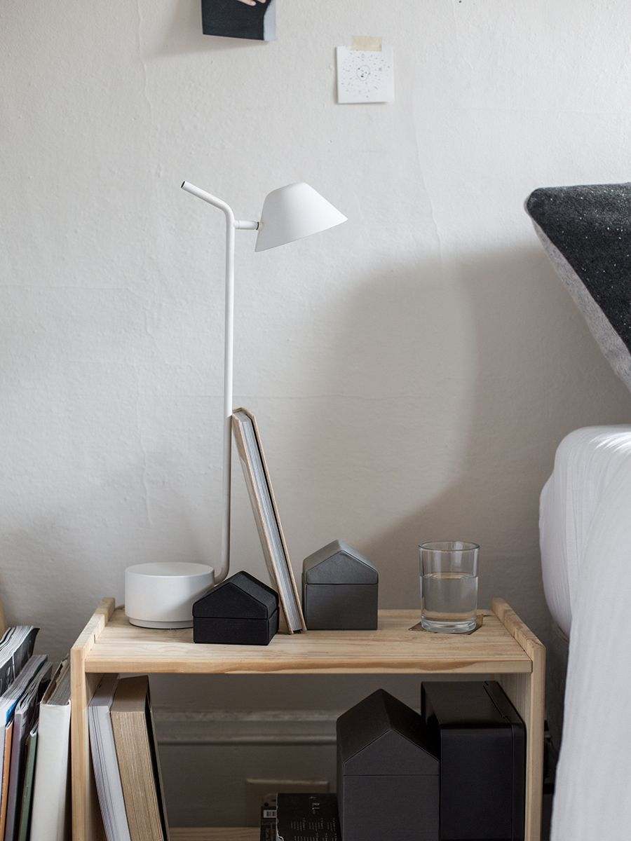 Menu Peek Table Lamp Black