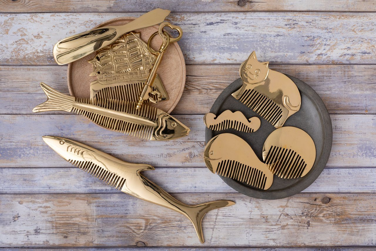 Siren Song Large Basic Brass Comb