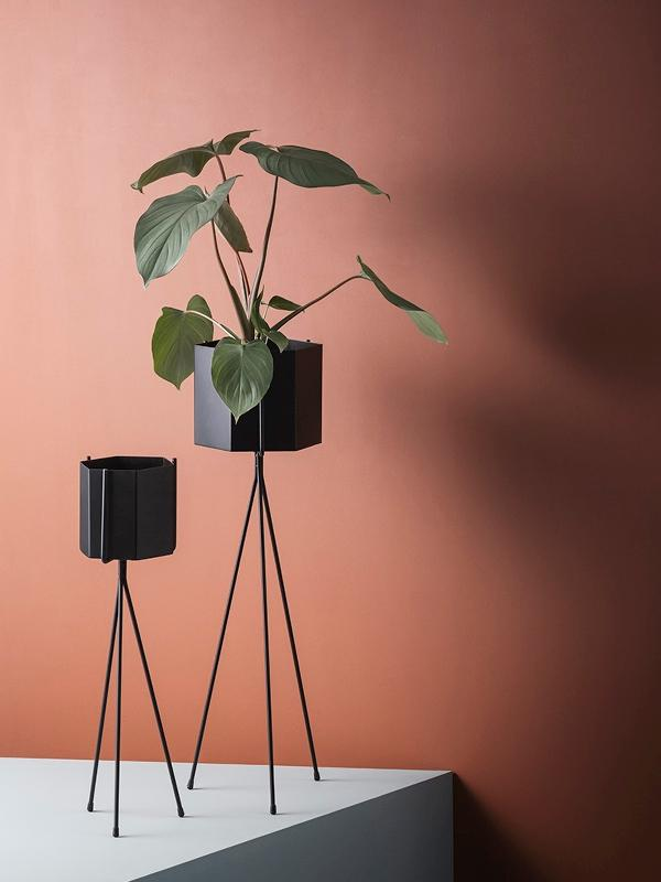 Ferm Living Plant Stand - Small Black