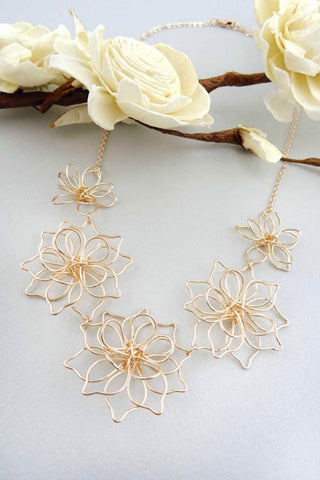 Flower Wire Necklace