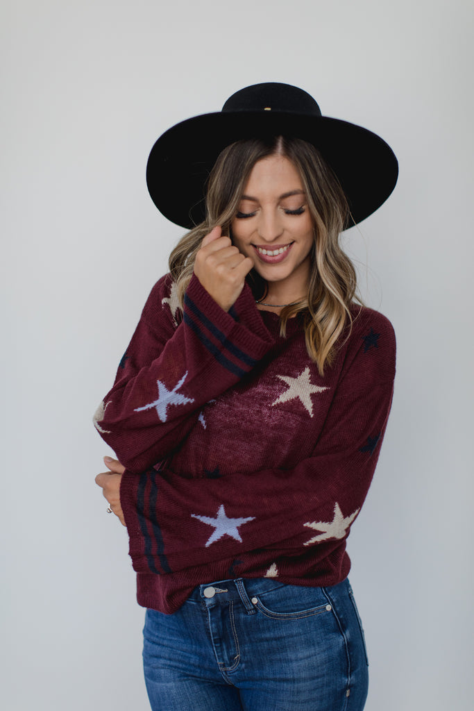 Willow & Clay Selena Star Pullover- Maroon